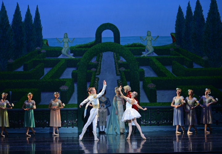 Charlotte Ballet - Little Mermaid - Alessandra Ball James & James Kopecky_1_photo by Peter Zay